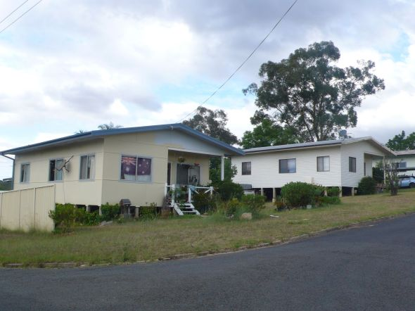 Warragamba houses