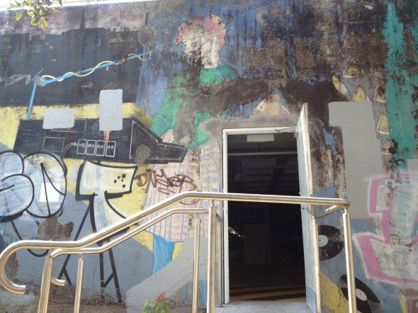 Womens Mural Pel Mel